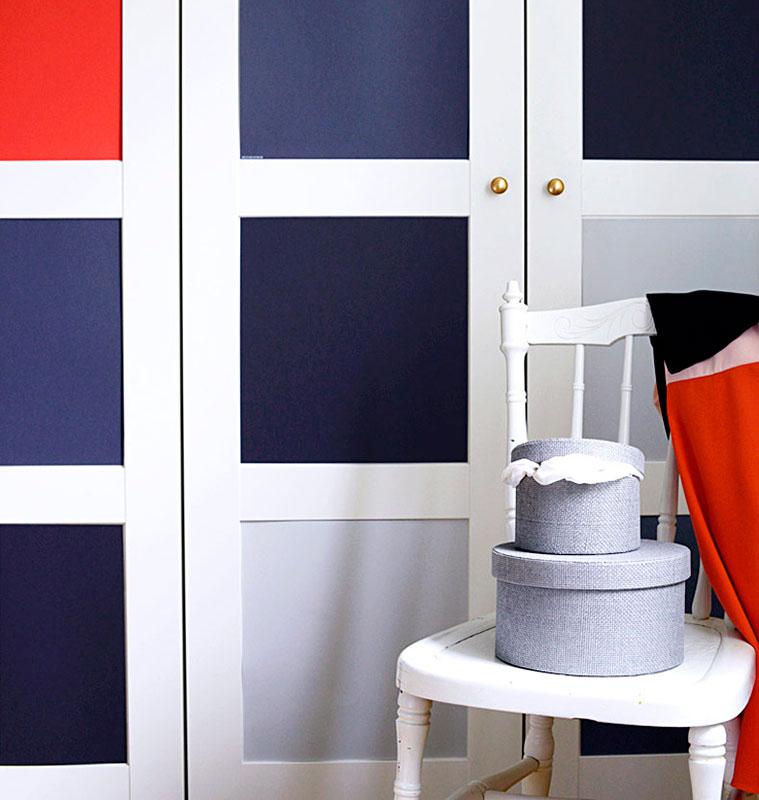 5 ideas para forrar con vinilo las puertas de tus armarios - Papel de vinilo para banos ...