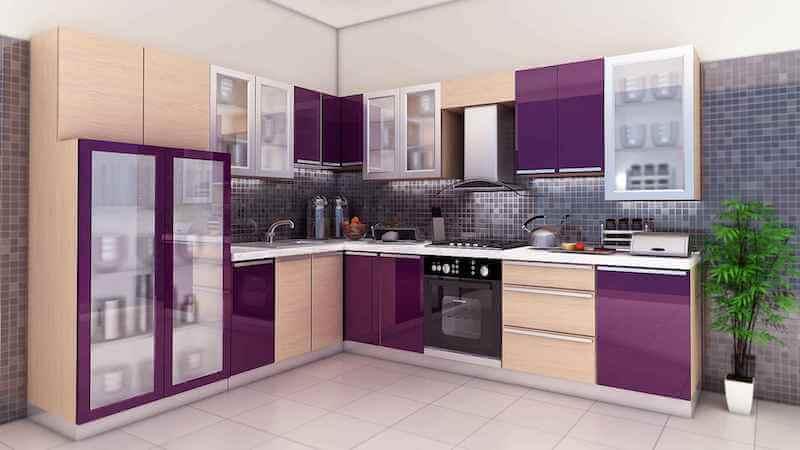 combinar vinilo ultra violet y madera en los armarios de la cocina